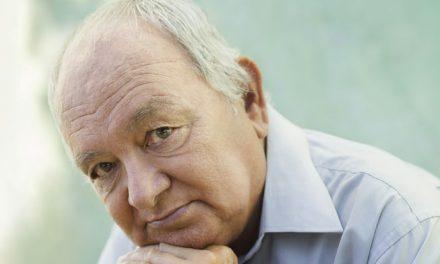 L'alopecia senile : perché gli anziani hanno meno capelli