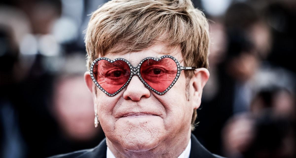 Elton John e il trapianto dei capelli