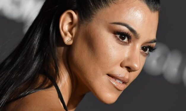 Kourtney Kardashian e il suo rimedio contro l'alopecia